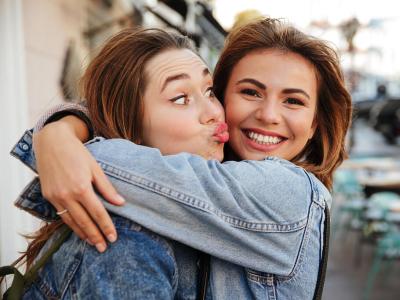 40 frases de feliz aniversário para amiga distante com muito amor