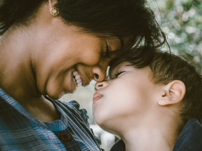 40 frases de aniversário para mãe guerreira que vão encantar a sua