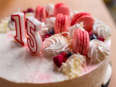 40 frases para aniversário de 15 anos que celebram com alegria