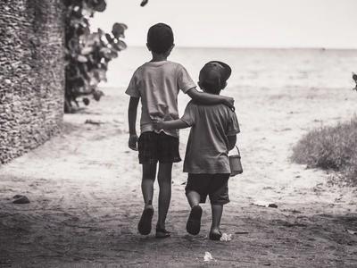 50 frases de aniversário para irmão mais velho que mostram cumplicidade
