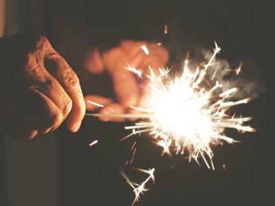 30 frases de aniversário Tumblr cheias de emoção e boas vibrações