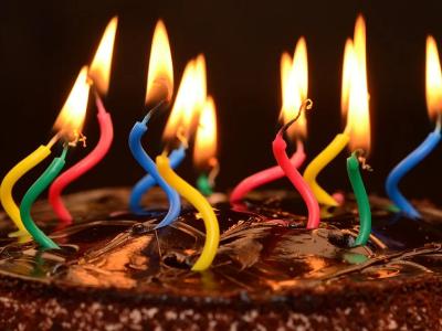 50 frases de aniversário de 18 anos que celebram a maior idade