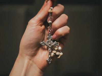 40 frases de aniversário católicas para iluminar o dia com fé