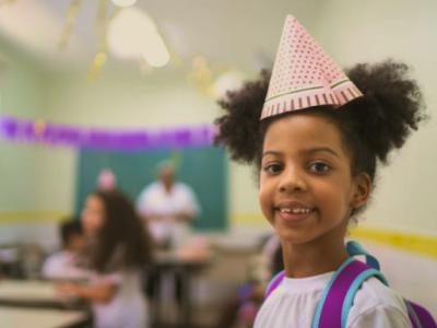 35 frases de aniversário para alunos que demonstram carinho