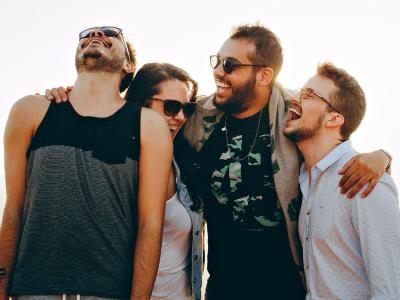 40 frases de aniversário para jovem que celebram a melhor fase da vida