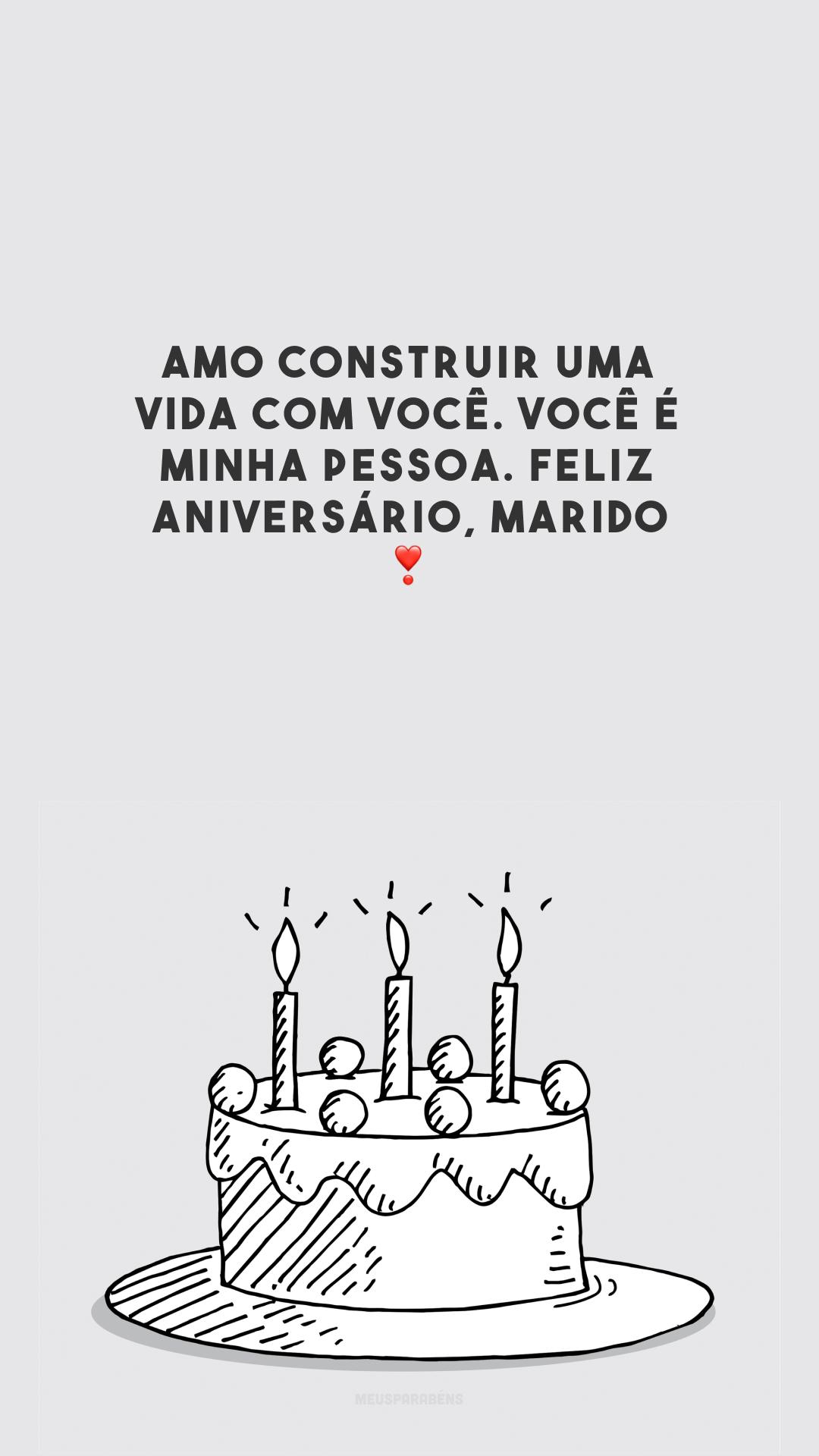 Amo construir uma vida com você. Você é minha pessoa. Feliz aniversário, marido!❣️