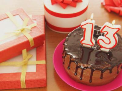 30 frases de aniversário de 13 anos para comemorar a juventude