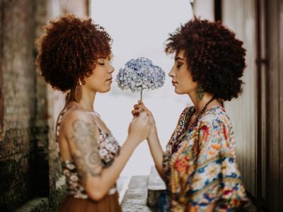 50 frases de aniversário de irmã para irmã que são melhores amigas