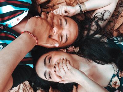 35 frases de aniversário de irmão para irmã cheias de amor e parceria