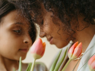 45 frases de aniversário emocionantes para mãe que vão emocioná-la