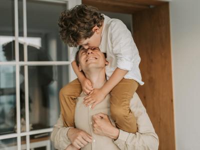 40 frases de aniversário de pai para filho repletas de parceria e amor