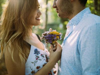 40 frases de aniversário emocionantes para namorada que a farão feliz