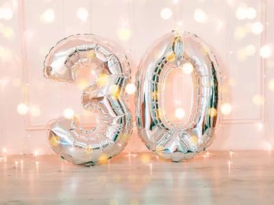 35 frases para convite de aniversário de 30 anos que eternizam esse dia