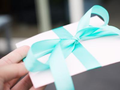 50 frases para cartão de aniversário para amiga que celebram a vida dela